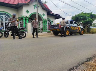 Antisipasi Balap Liar Jelang Berbuka Puasa Personil Polsek Baraka Polres Enrekang Lakukan Patroli