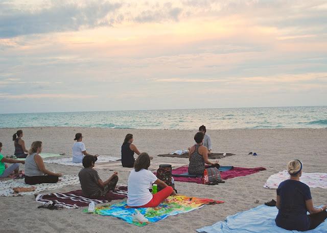yoga-1040844_960_720.jpg