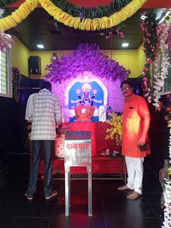दो तलाव पर कई वर्षों से इस्थित सूर्यपुत्र शनिदेव मंदिर का भव्य रूप से सिंगार किया गया