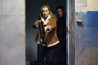 "Briana Buckmaster as Donna Hanscum and Jensen Ackles as Dean Winchester in Supernatural 13x11 ""Breakdown"""