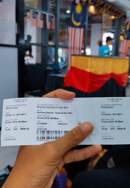 Naik Bus ke Miri dari Kuching