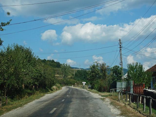 """""""Wojewódzka"""" droga w północnej Rumunii (wrzesień 2016)"""