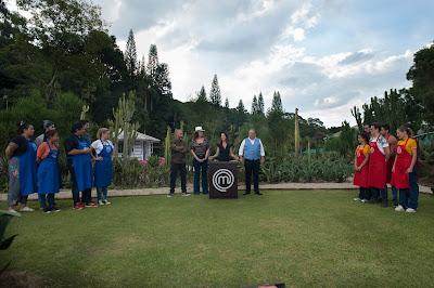 Competidores deverão preparar um menu completo para 50 convidados - Divulgação/Band
