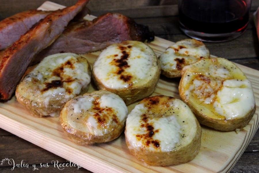 Patatas asadas con alioli y pimentón. Julia y sus recetas