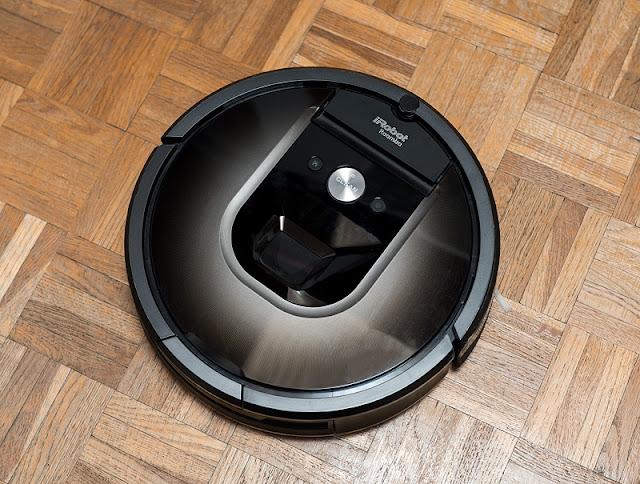 iRobot Roomba 980 razlika v parketu bolj in manj obrabljen