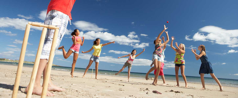 https://1.bp.blogspot.com/-dizEdEUIbfE/WVqdO-7c3QI/AAAAAAAJw3Y/S9lL9en0tjEnEMXnwO-96r_ZIvsyqehFwCLcBGAs/s1600/visior-visa-cricket-on-the-beach.jpg