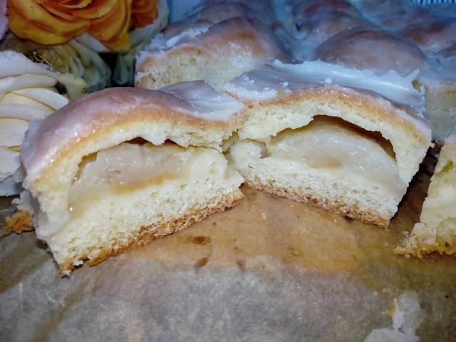 ciasto z polowkami jablek ciasto z papierowkami ciasto z jablkami szarlotka z papierowek szarlotka z polowkami jablek ciasto z lukrem ciasto z serkiem waniliowym