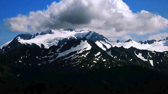 Νεκροί ανασύρθηκαν οι δυο ορειβάτες που καταπλακώθηκαν από χιονοστιβάδα στον Όλυμπο
