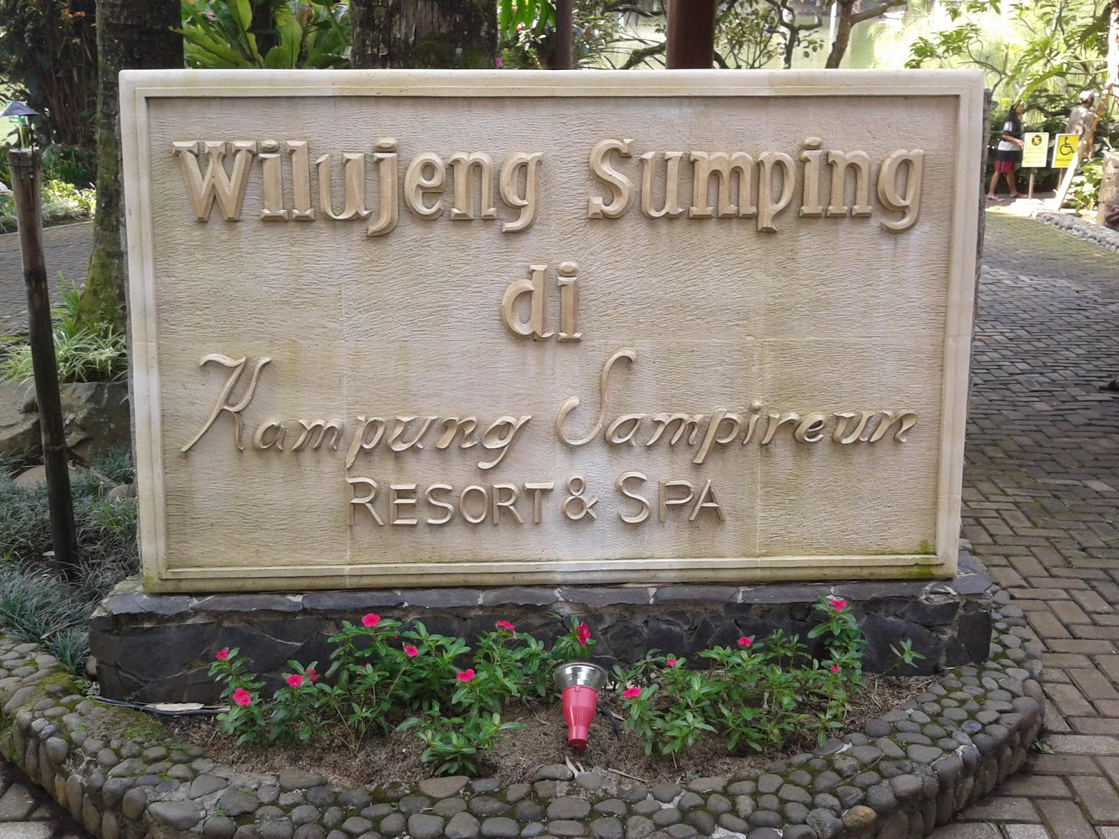 Kampung Sampireun, Favoritnya Wisata Keluarga di Garut - TheKepo