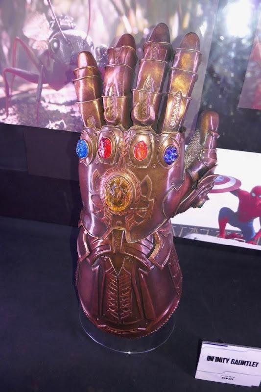 Infinity Gauntlet prop Thor