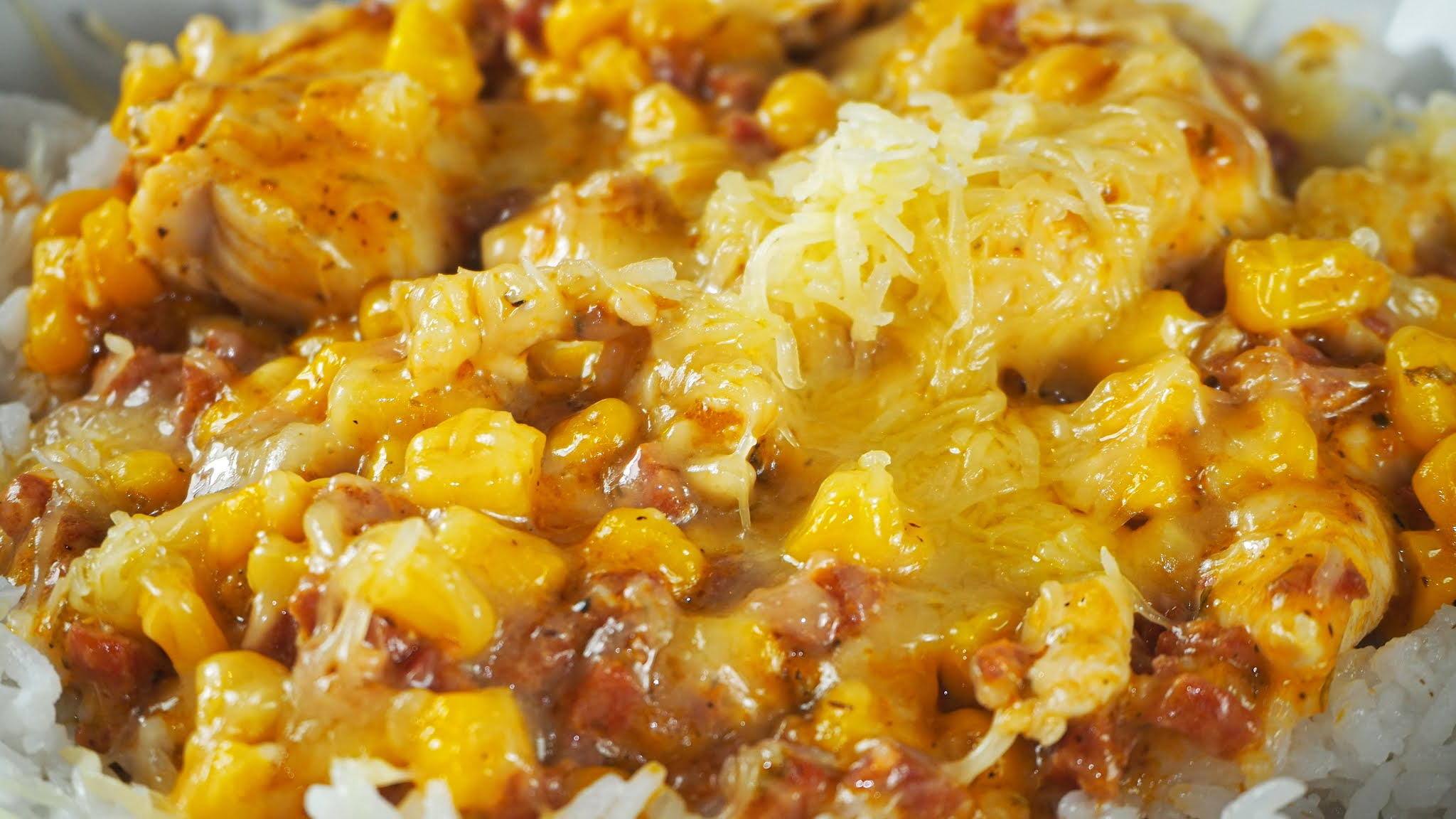 Cheesy chicken & chorizo rice dish