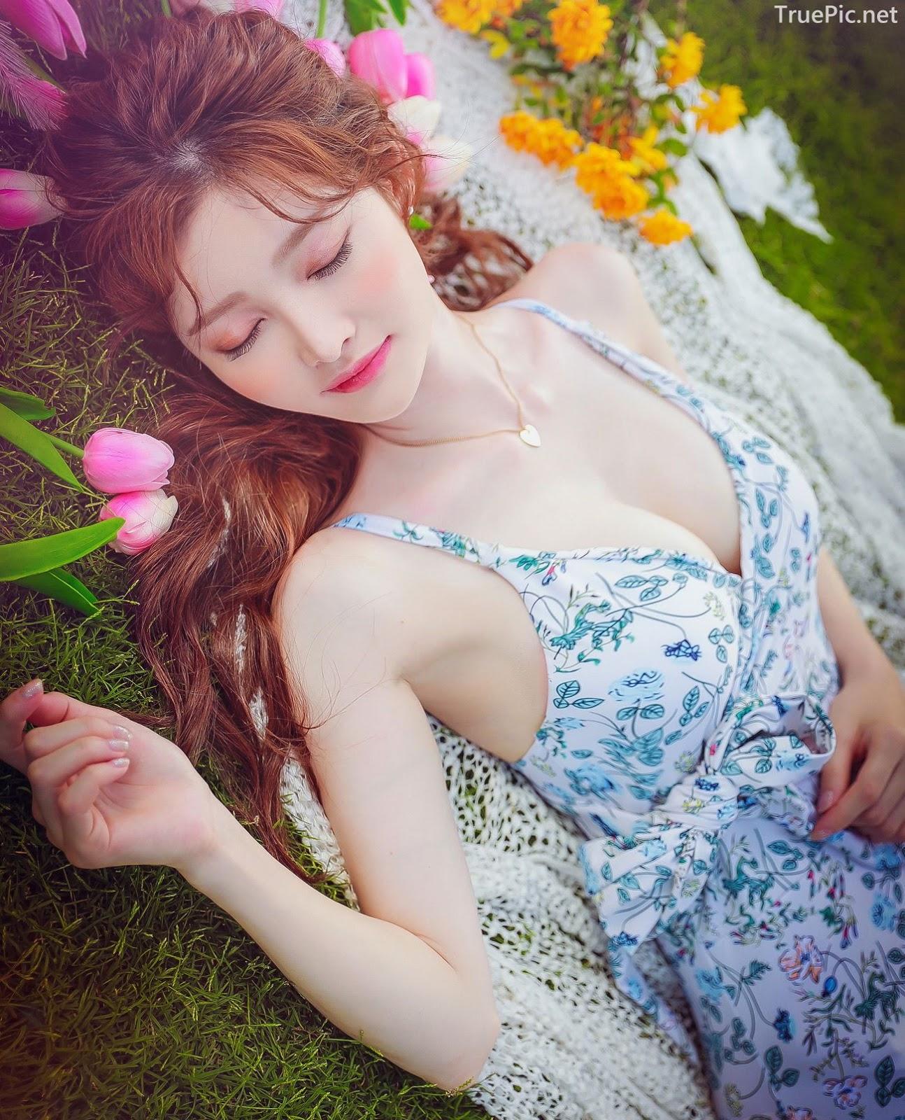 Korean lingerie queen Kim Hee Jeong - Floral Blue Monokini Swimsuit Set - Picture 1