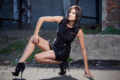Lima Wanita Stuntwoman Paling Cantik di Dunia