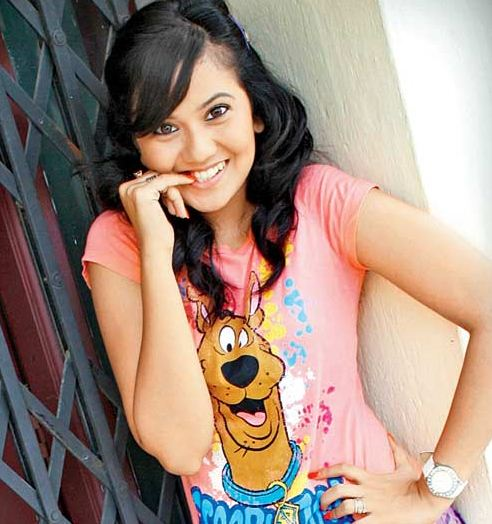 Hindi Zee Tv Serial Actor Gunjan Sexy Images
