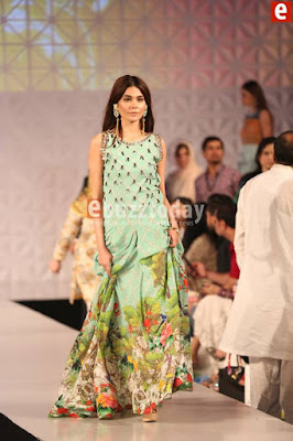 So-kamal-collection-2017-at-pfdc-sunsilk-fashion-week-6