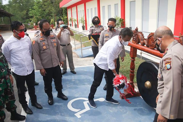 Rudi Menghadiri Peresmian Gedung Pelayanan Terpadu Parama Satwika Polresta Barelang