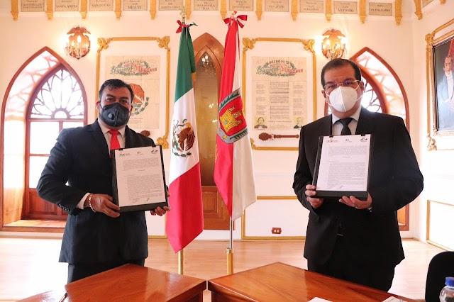 Huamantla primer municipio en signar convenio de colaboración para que población concluya su prepa en modalidad abierta