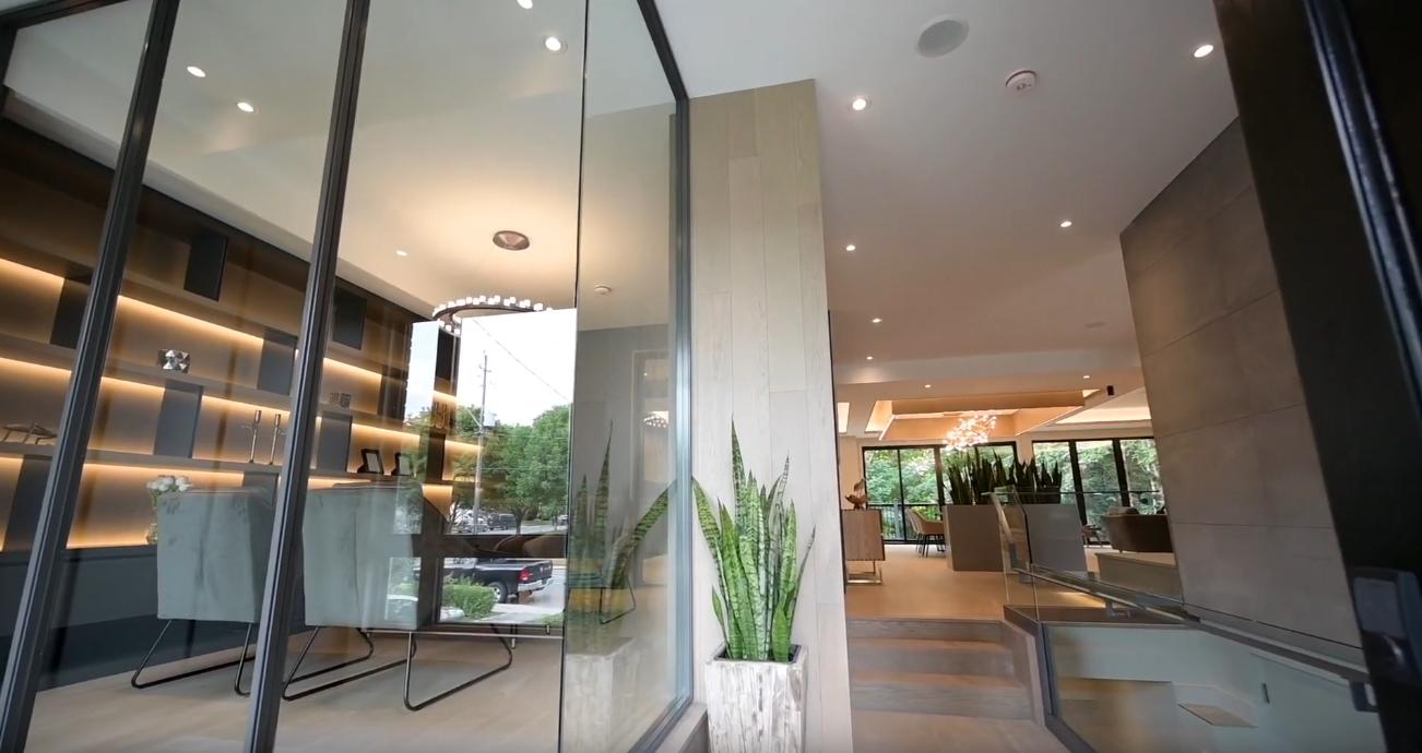 37 Photos vs. 2587 St Clair Ave E, East York, ON Luxury Home Interior Design Tour