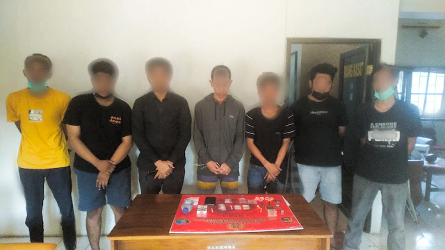 Gagal pesta sabu, 7 pemuda di Sumbawa keburu digerebek Polisi