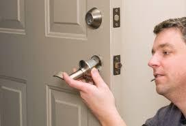 Tips Paling Mudah Memasang Dan Mengganti Engsel Pintu Minimalis