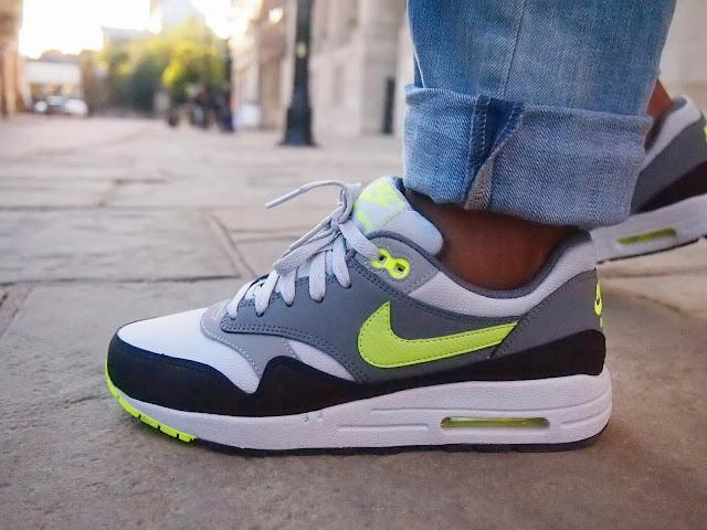 Nike Air Neon Green