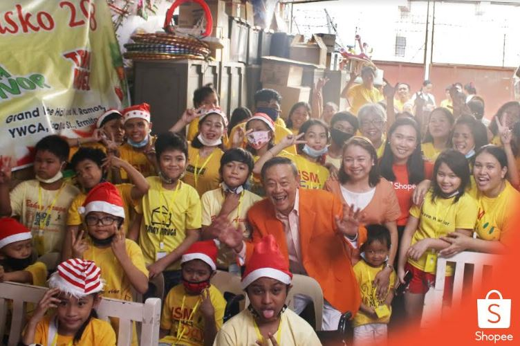 Shopee treats pediatric cancer patients to a fun-filled afternoon with games and gifts.