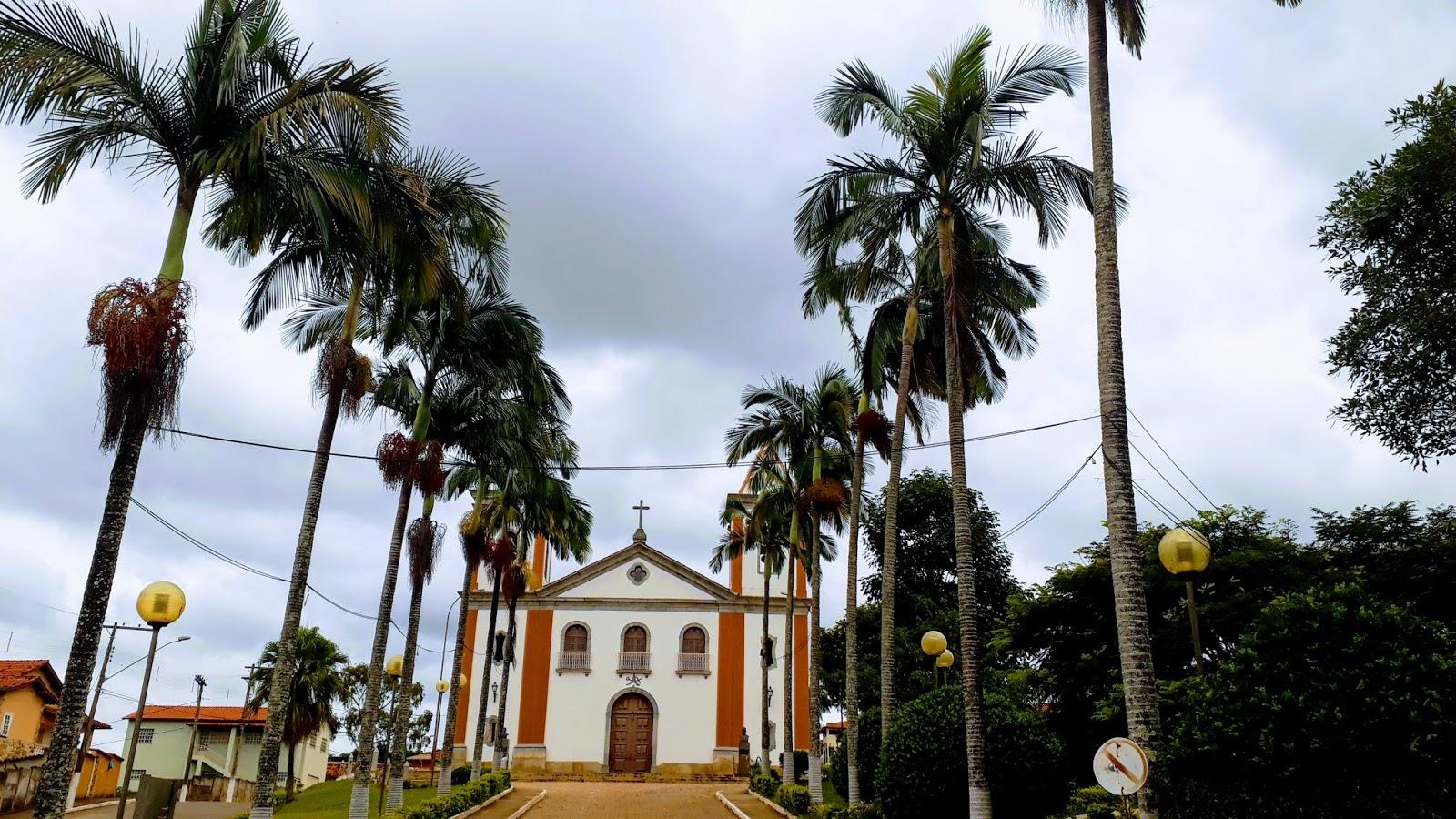 igreja matriz de santo antônio na cidade de lagoa dourada na estrada real, minas gerais