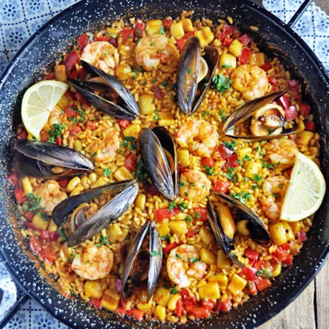 AUTHENTIC SPANISH SEAFOOD PAELLA RECIPE