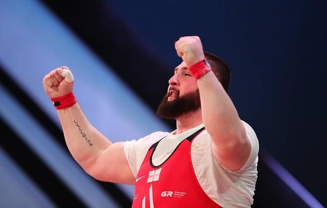 Лаша Талахадзе установил мировой рекорд на чемпионате Европы по тяжелой атлетике в Москве