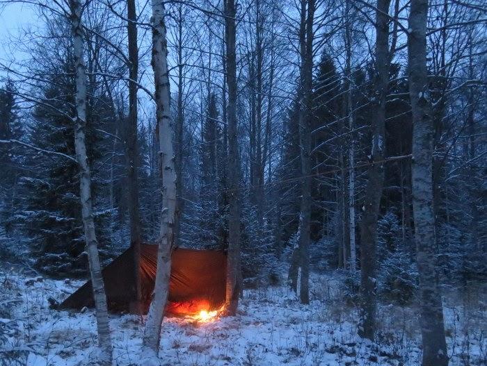 sova under tarp