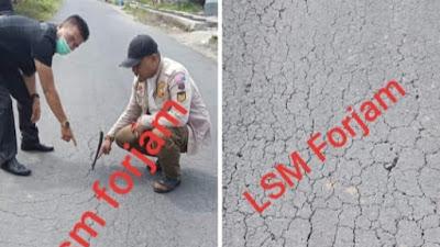 Parah !!! Telan Miliyaran Rupiah Jalan Desa Koto Padang Belum 1 Tahun Sudah Hancur