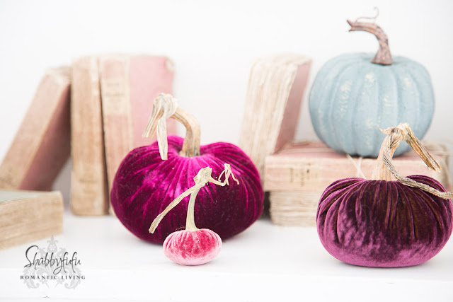 mantel ideas with pumpkins