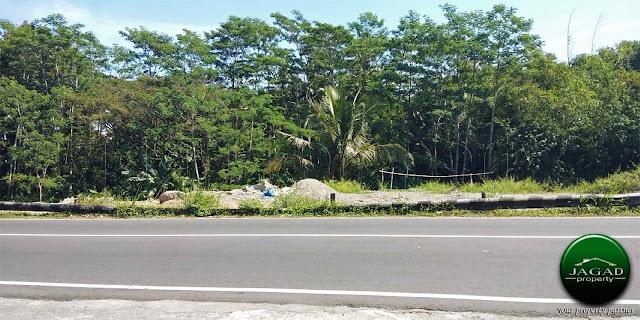 Tanah tepi jalan Kaliurang Km 13