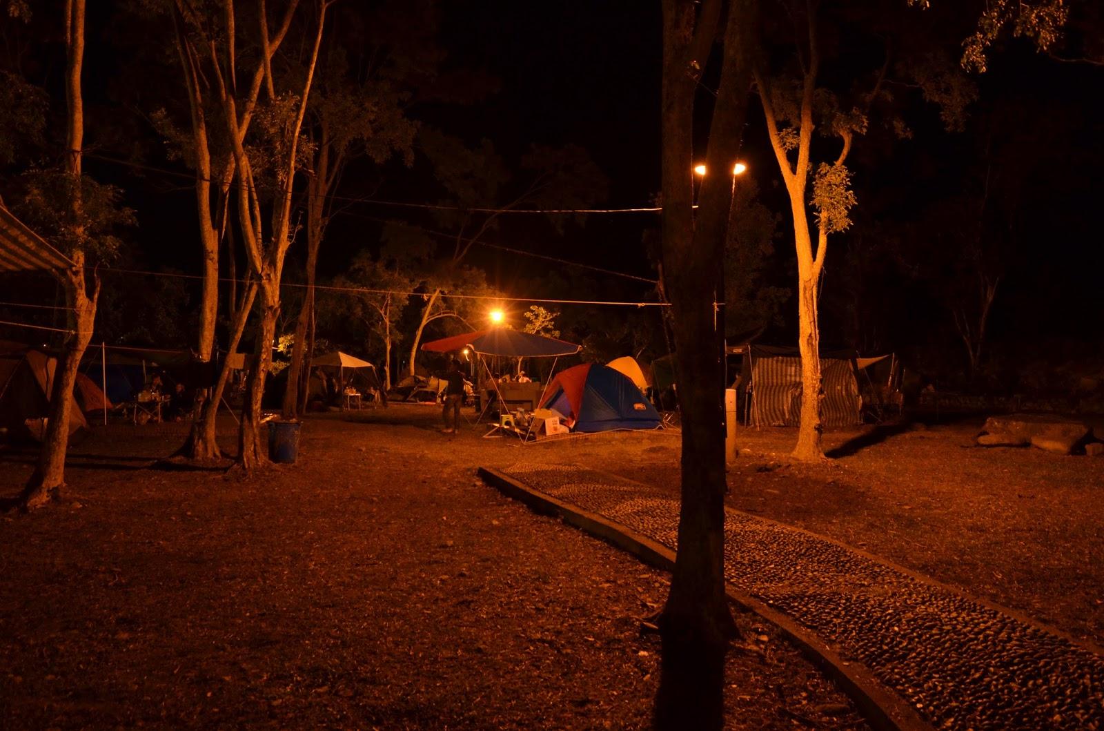 整理心情 : 2017 新年環島露營 Day-2 臺東知本 氣氛普通但離市區近很方便又可以泡溫泉的營地