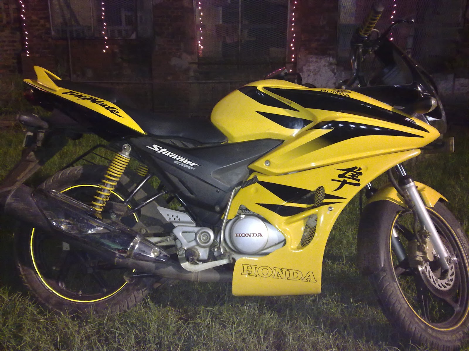 My modified yellow honda stunner cbf 125 kick start+self start with disc brakes