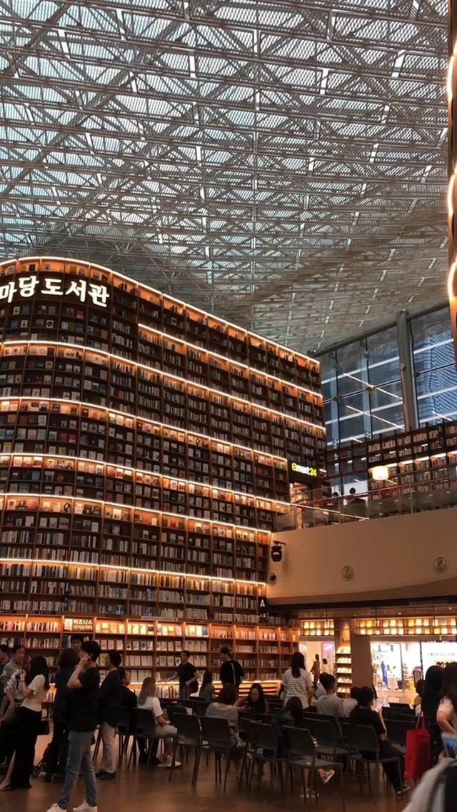 international bookstores