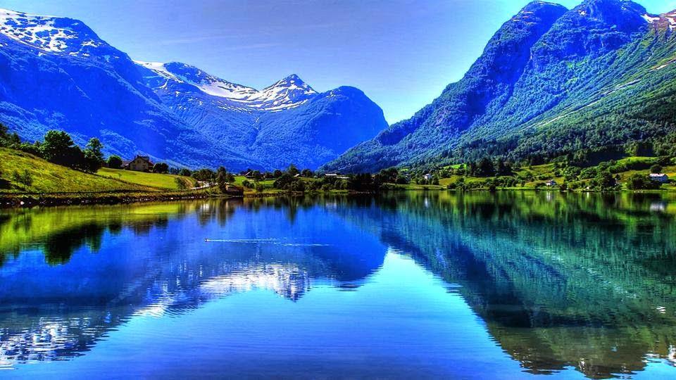 Lago nos Alpes