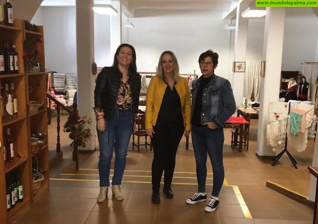 El Cabildo colaborará con la asociación Artesol de Fuencaliente para mejorar la promoción y venta de sus productos artesanos
