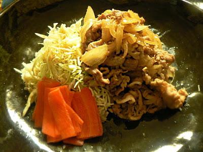 玉ねぎと豚肉の生姜焼き
