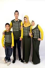 Baju Kaos Muslim Keluarga Modern