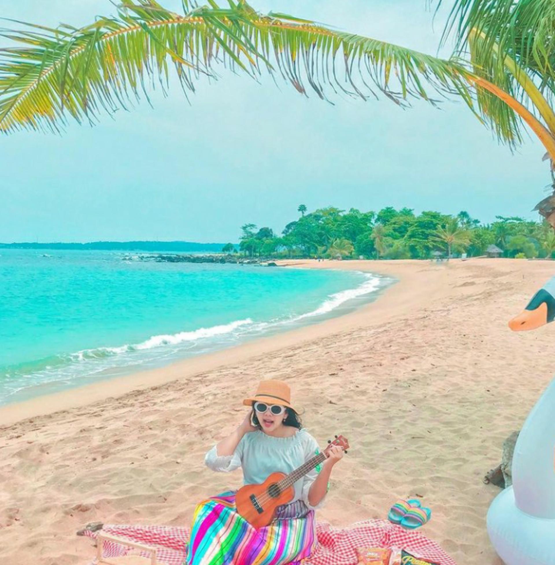Harga tiket masuk Pantai Alau Alau Boutique Resort kalianda