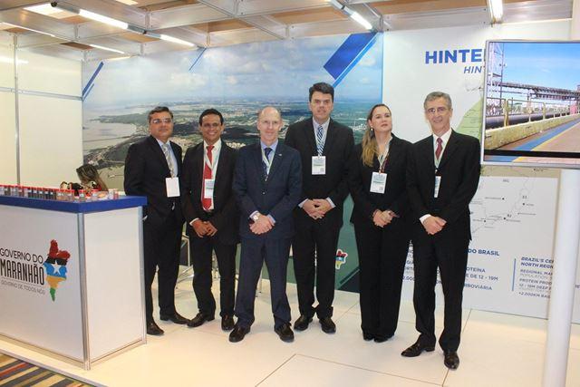 Equipe da EMAP com o presidente, Ted Lago, e o diretor geral da Antaq, Adalberto Tokarski.