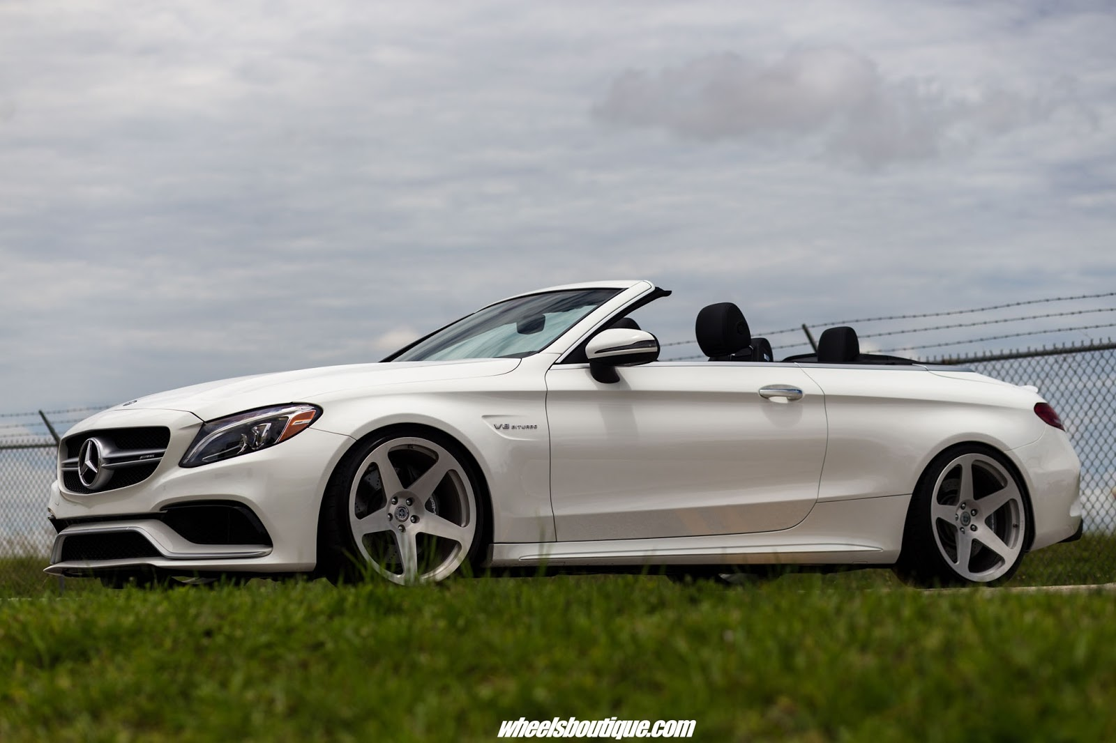 mercedes amg c63 w205 cabrio on hre classic 305m benztuning. Black Bedroom Furniture Sets. Home Design Ideas