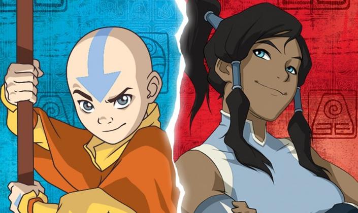 Imagem de capa: uma imagem dividida com o Avatar Aang, um garoto de doze anos careca, com uma tatuagem de seta azul na cabeça, roupas antigas em tons de laranja e amarelo, segurando um bastão e ao lado Korra, uma adolescente, de pele escura, cabelos castanhos, olhos azuis, em roupas azuis com detalhes brancos, uma faixa ao redor de um dos braços musculosos, cruzados na frente do corpo. Ao fundo de ambas as ilustrações temos um fundo azul e um vermelho, com símbolos em espiral desenhados.