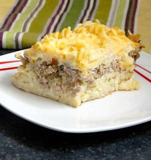 Zapiekanka z makaronem i mięsem mielonym