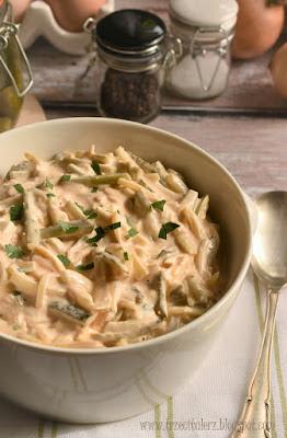 Sałatka cebulowa z korniszonami – kuchnia podkarpacka