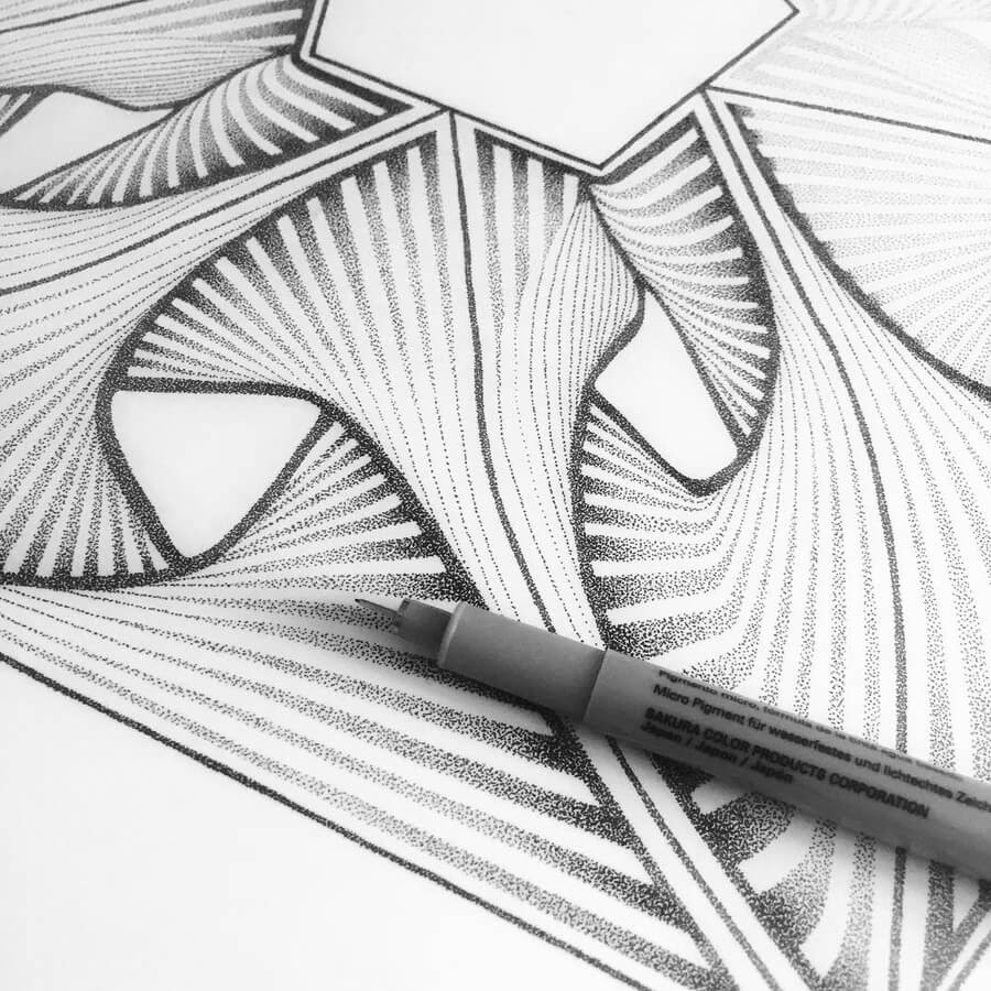 04-Pentagone-detail-Stippling-Drawings-Ilan-Piotelat-www-designstack-co