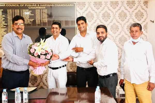 advocate-rajesh-khatana-faridabad-cooperative-member-bar-council