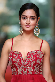 Shanvi Srivastava Stunning Elegant Red Sleeveless Deep neck Gown WOW