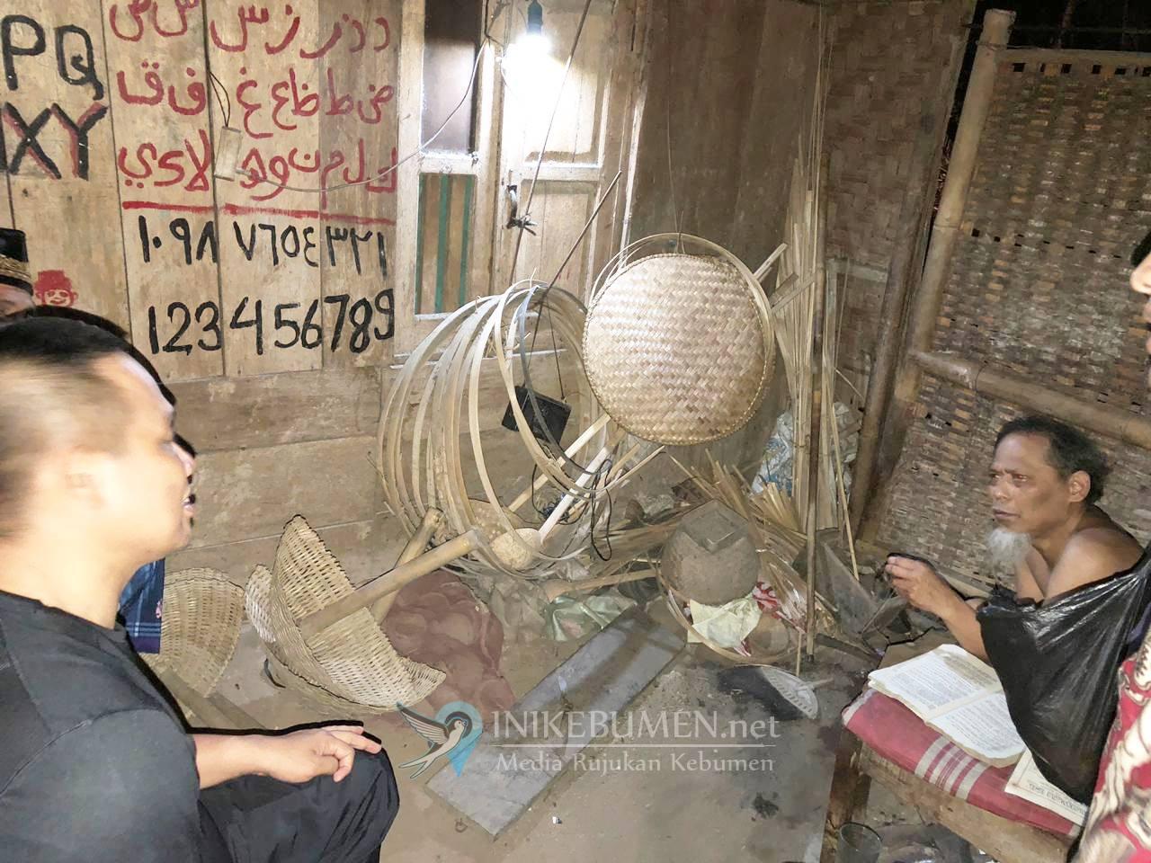 Kunjungi Desa Argosari, Wabup Bertemu Penderita Patah Tulang Tanpa KTP Elektronik